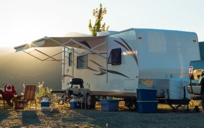 Should I Get a Fifth Wheel or Travel Trailer?
