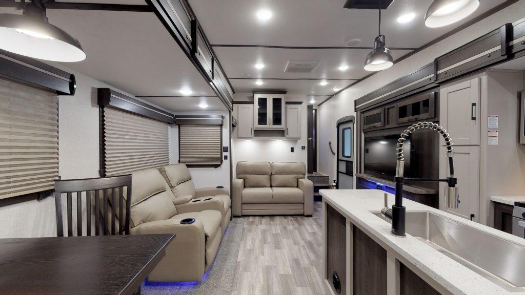 cruiser aire fifth wheel interior